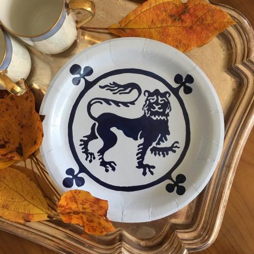 Guardian Lion Paper Plates